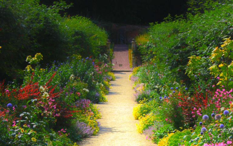 english-country-garden-path