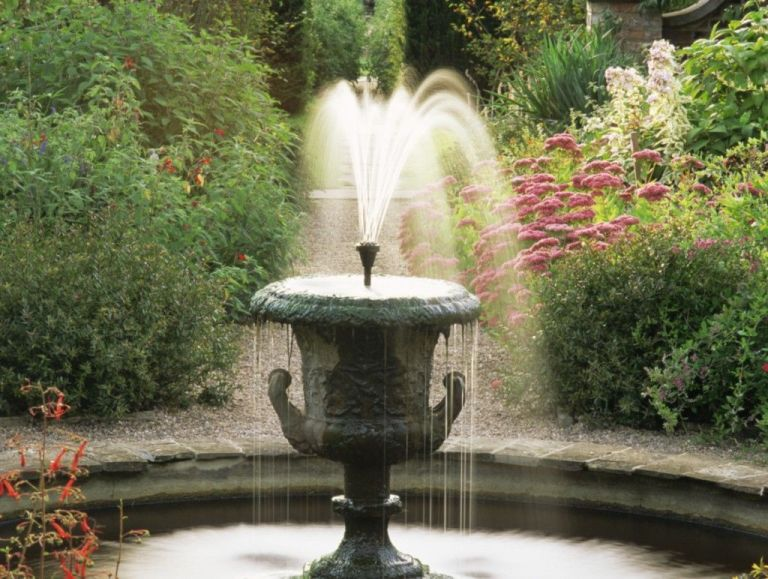 english-country-garden-fountain