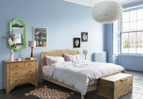 30 beautiful bedrooms with great ideas to steal for Dramatic beds