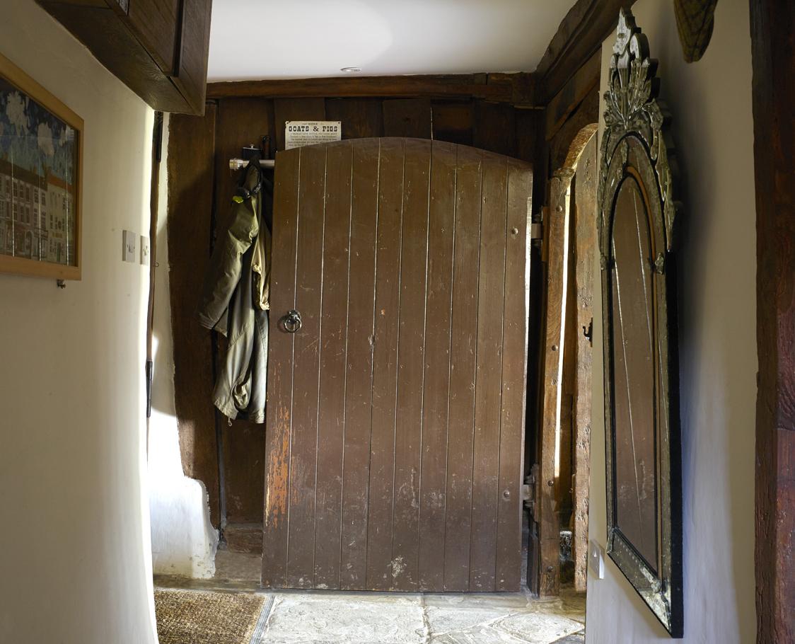 tudor-house-hallway