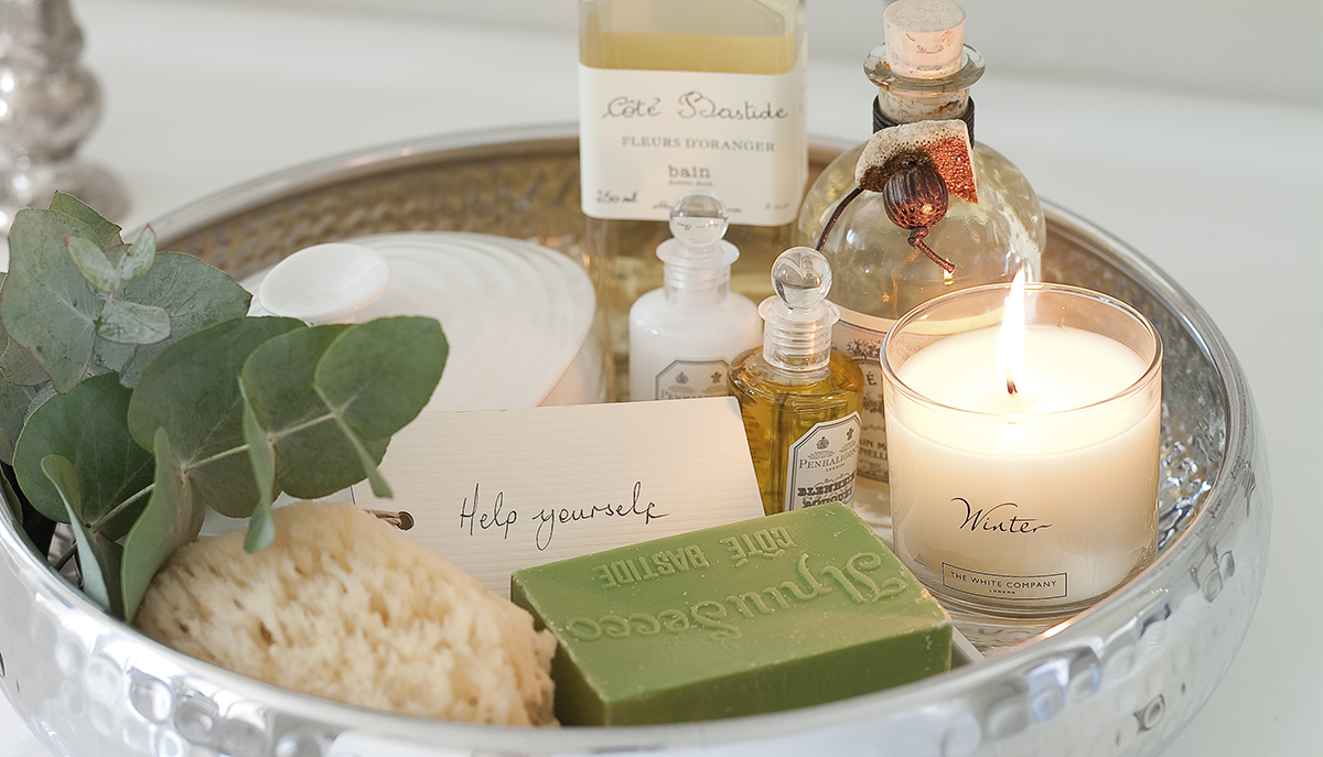 home-fragrance-guest-tray