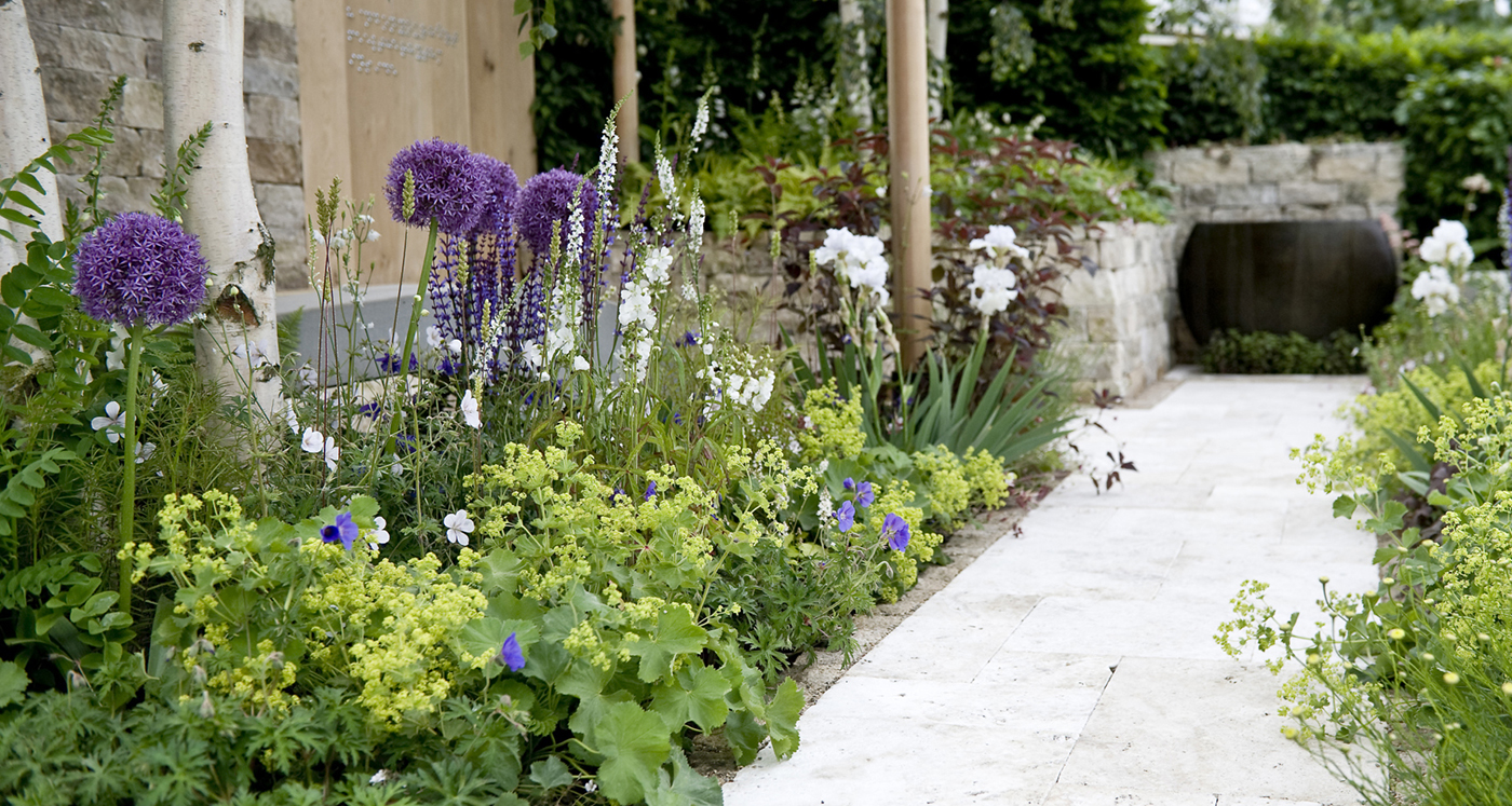10 tips for a stylish contemporary garden design for Contemporary gardens