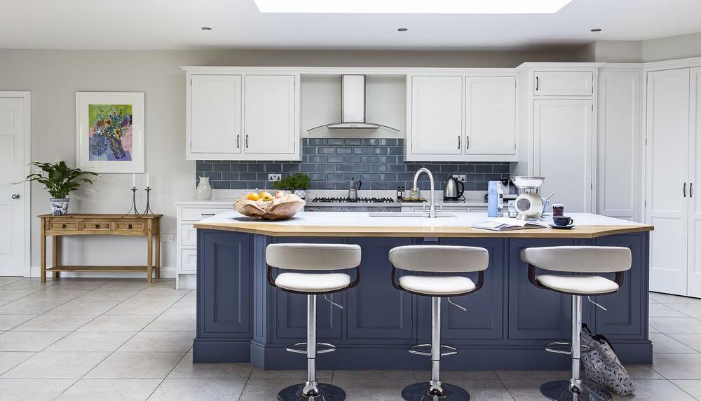 farmhouse-kitchen-island-unit
