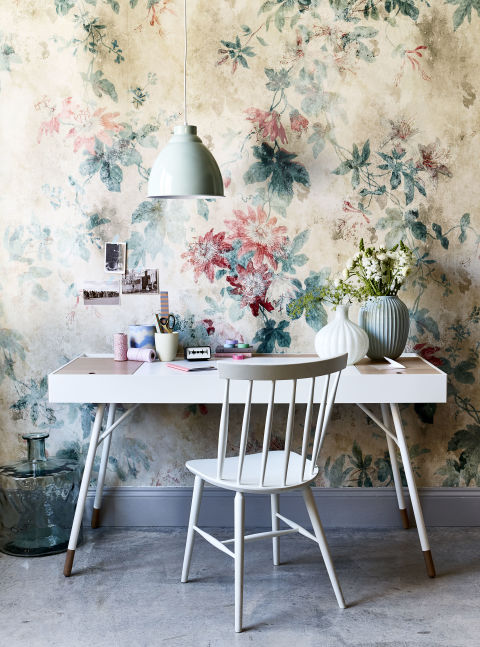 wallpaper and fabric inspiration for summer  florals are back