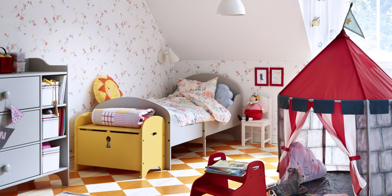 Children 39 s rooms stylish bedroom ideas for toddlers for Childrens bedroom ideas
