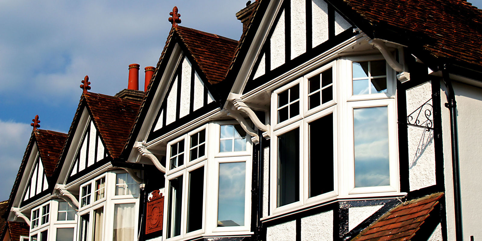 What 39 s the best way to clean and paint windows for Whats a terraced house