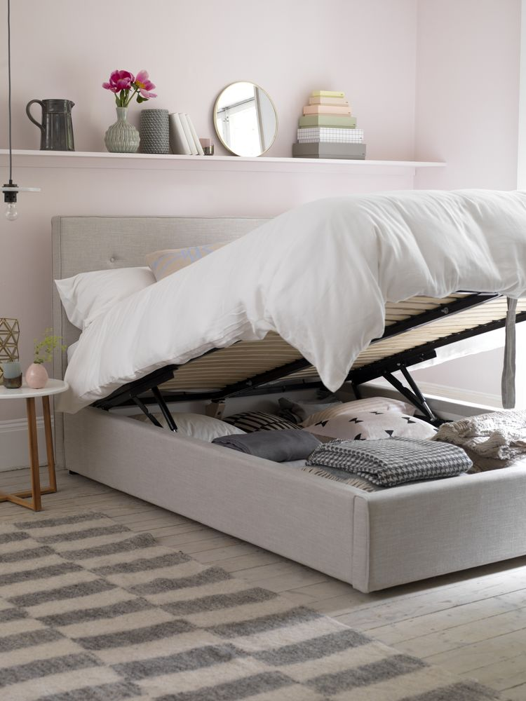 Small Space Decorating Tricks: Small Bedrooms: Smart Decorating Tricks To Create More Space