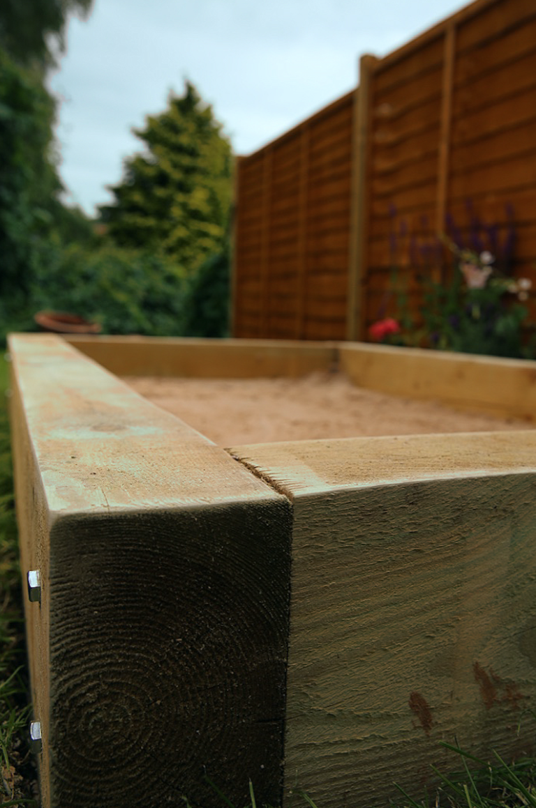 how to build your own sandpit