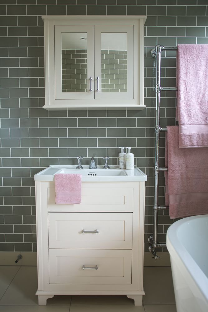 Grey and pink bathroom accessories home decor for Pink grey bathroom accessories