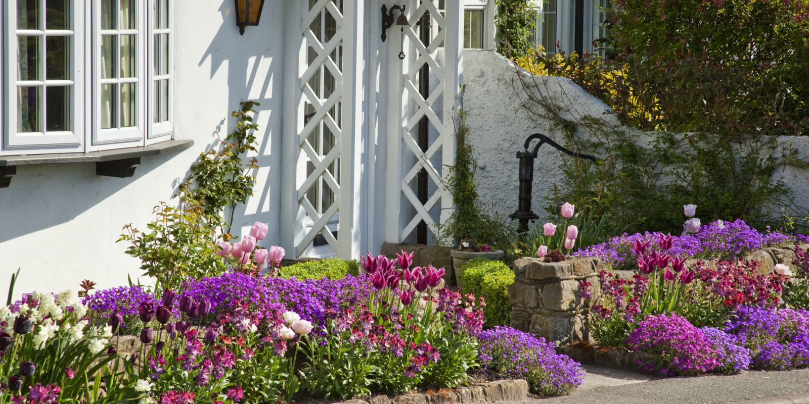 7 Golden Rules To Give Your Front Garden The Wow Factor - front gardens designs