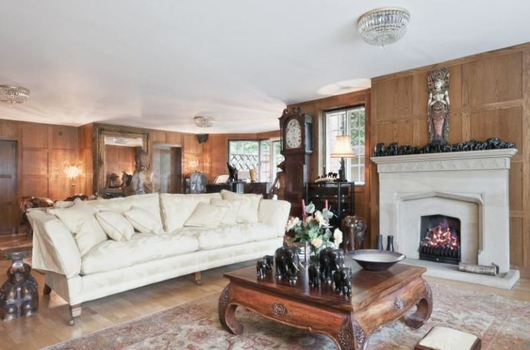 8 bedroom house. 8 bedroom detached house in Berkshire Property of the Week  with bowling alley games room