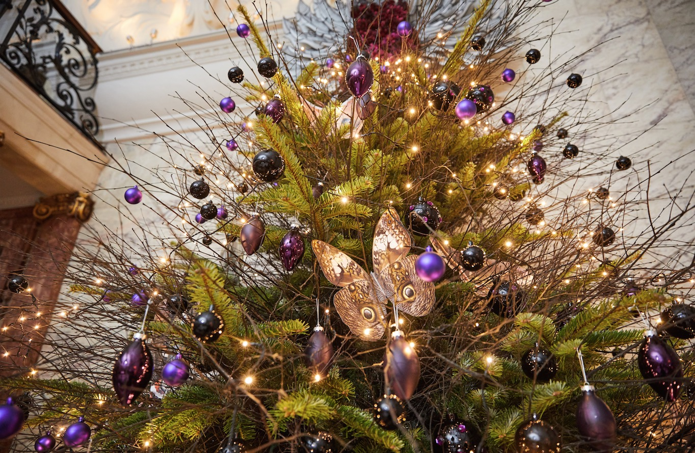 Rooms: The London EDITION Hotel Unveils Magical Christmas Tree