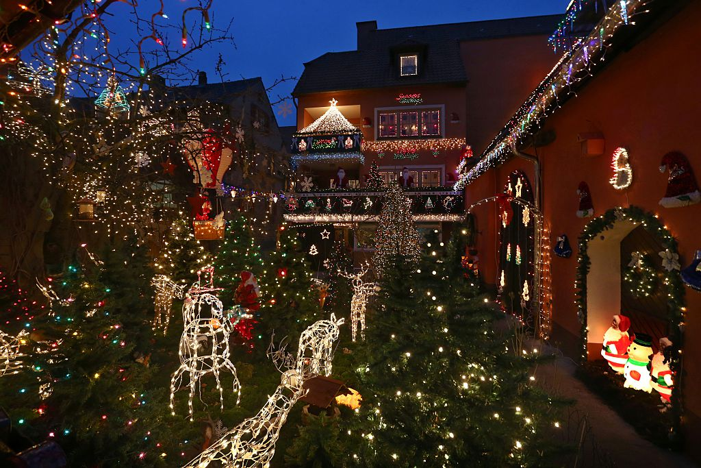 Decorations In Germany During Christmas : The most extravagant christmas house lights from all over