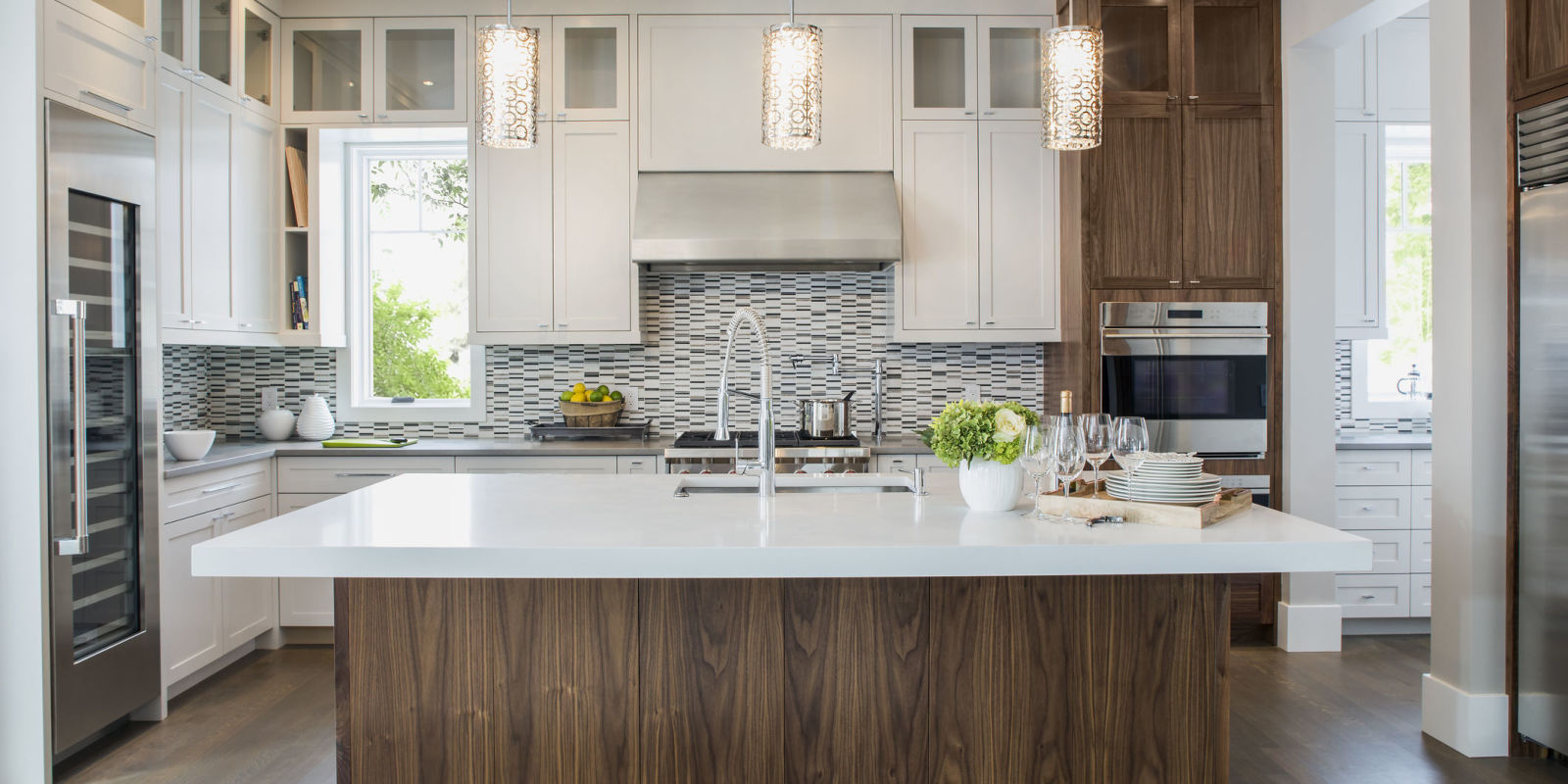 Kitchen cabinet trends to avoid - Kitchen With White Surface Tops And Minimalist Design