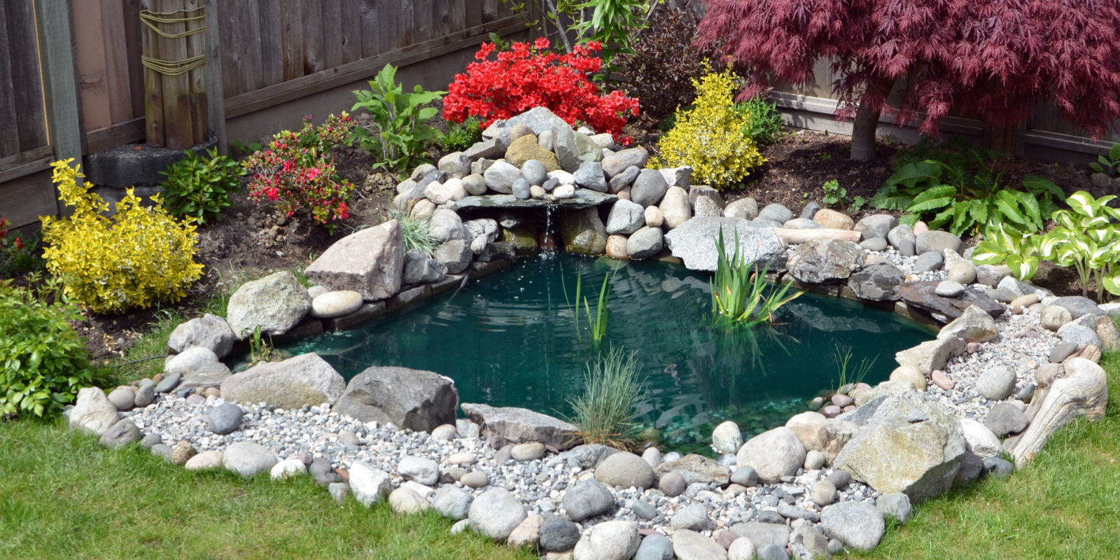 Garden structures and ornaments 5 golden rules to follow for Garden pool ornaments
