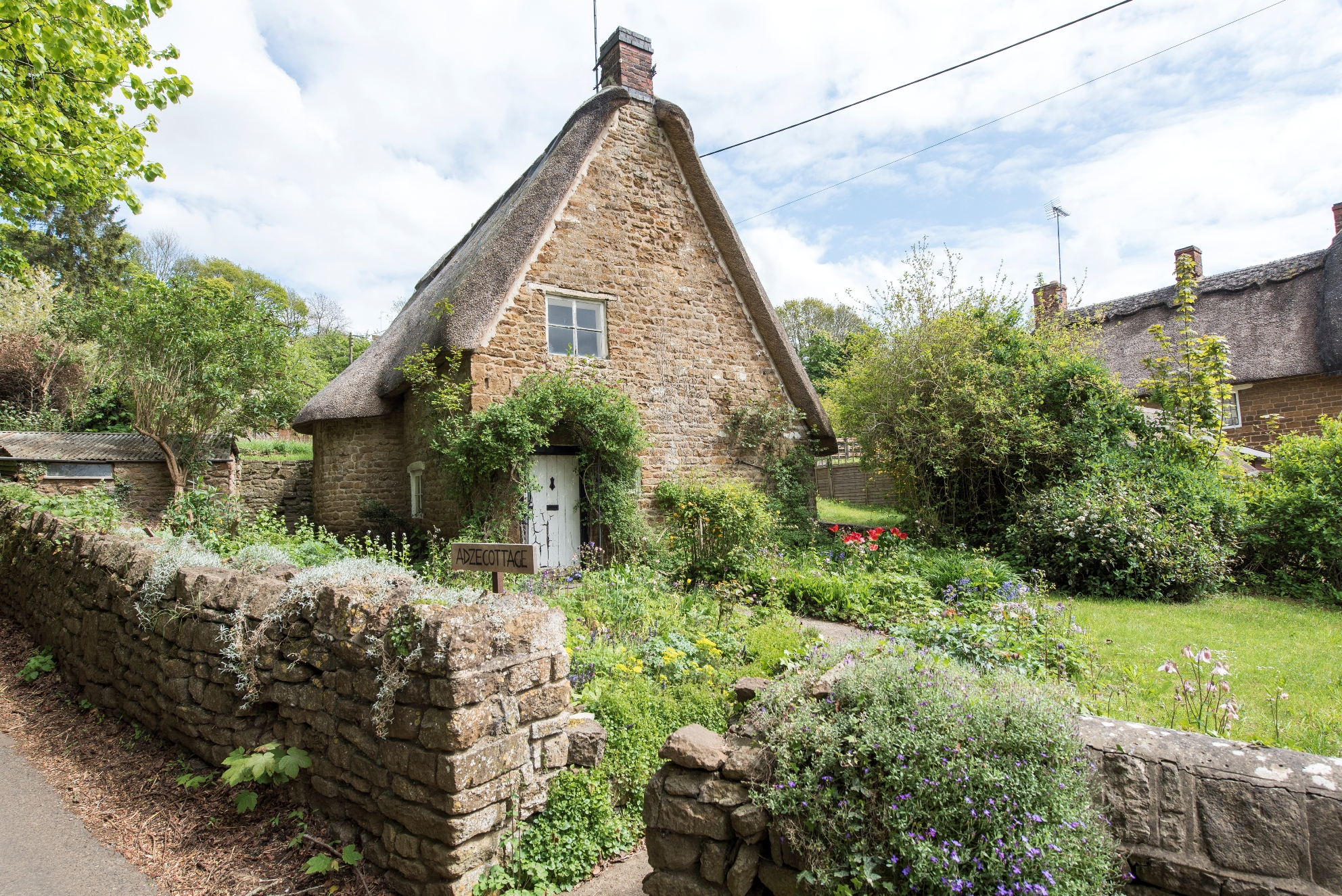 8 dreamy cotswold cottages for sale properties in the House beautiful com kitchens