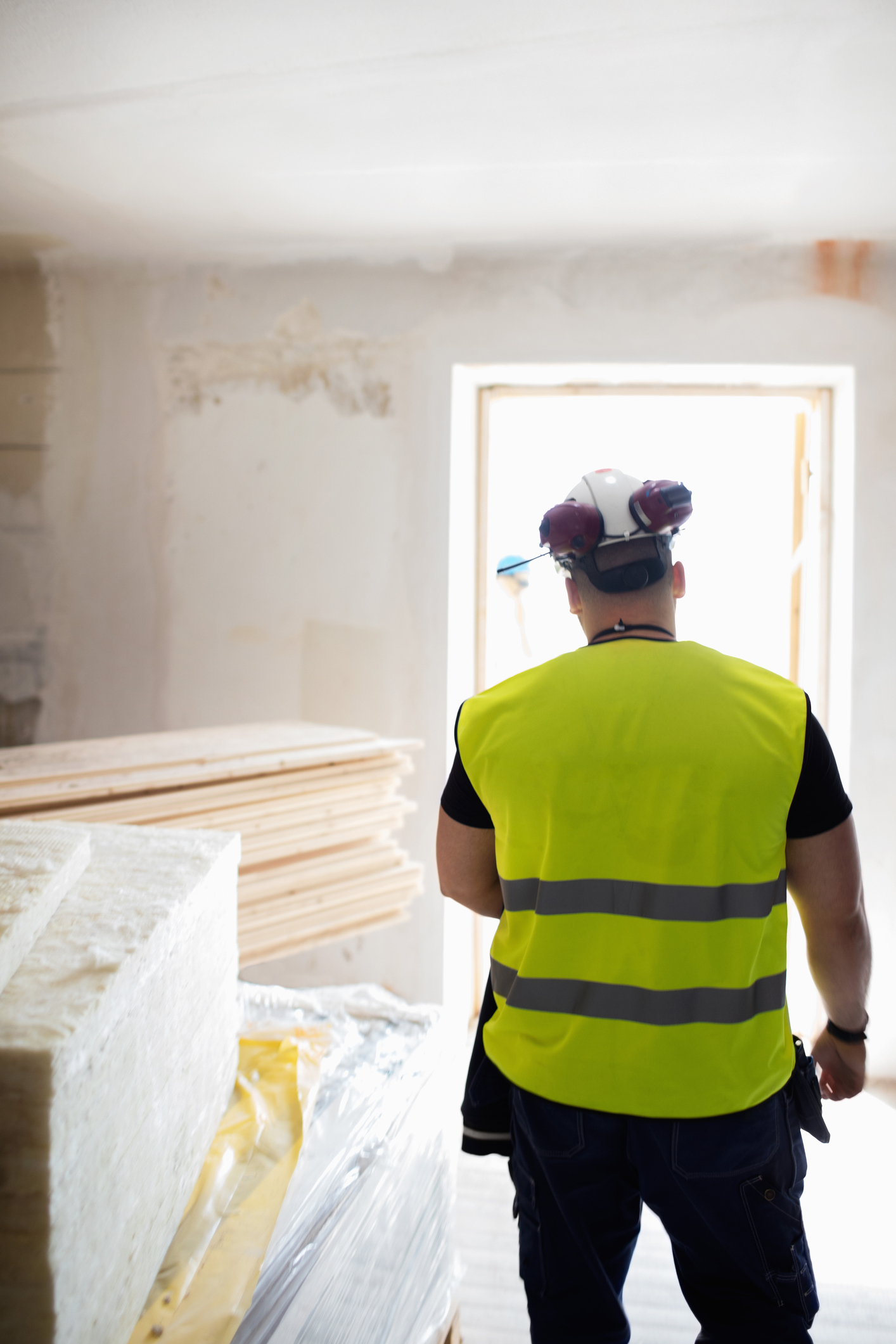 Tommy walsh 39 s top tips on finding a good builder you can trust for Find a good builder