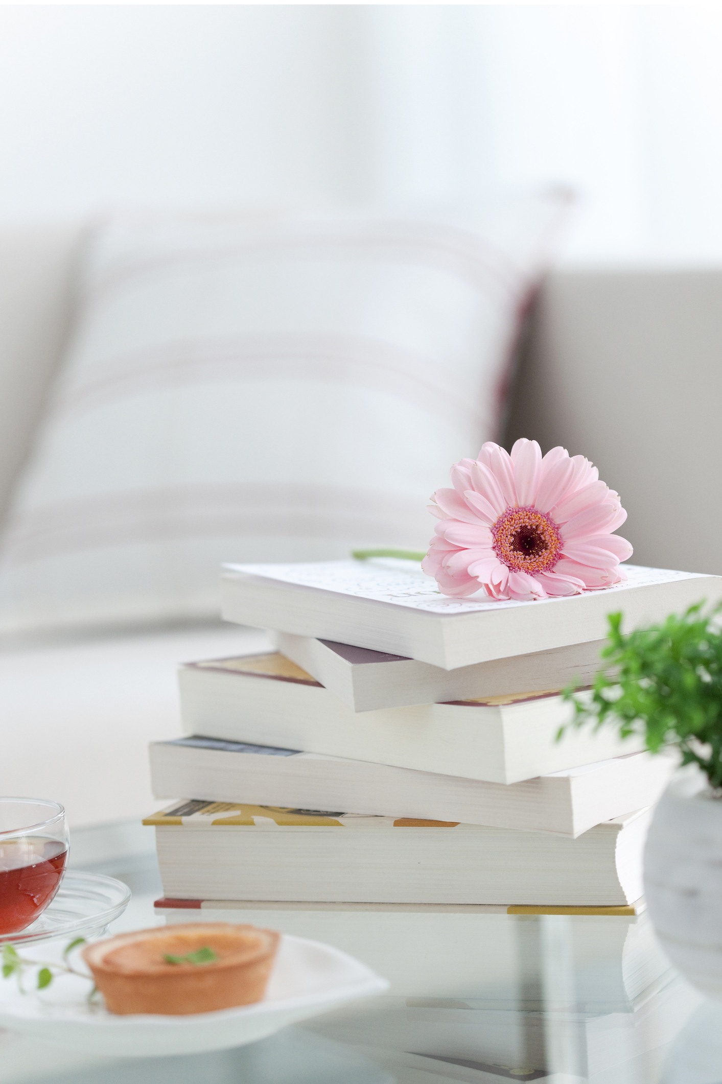 5 Best Classic Fiction Book Collections For Your Coffee Table