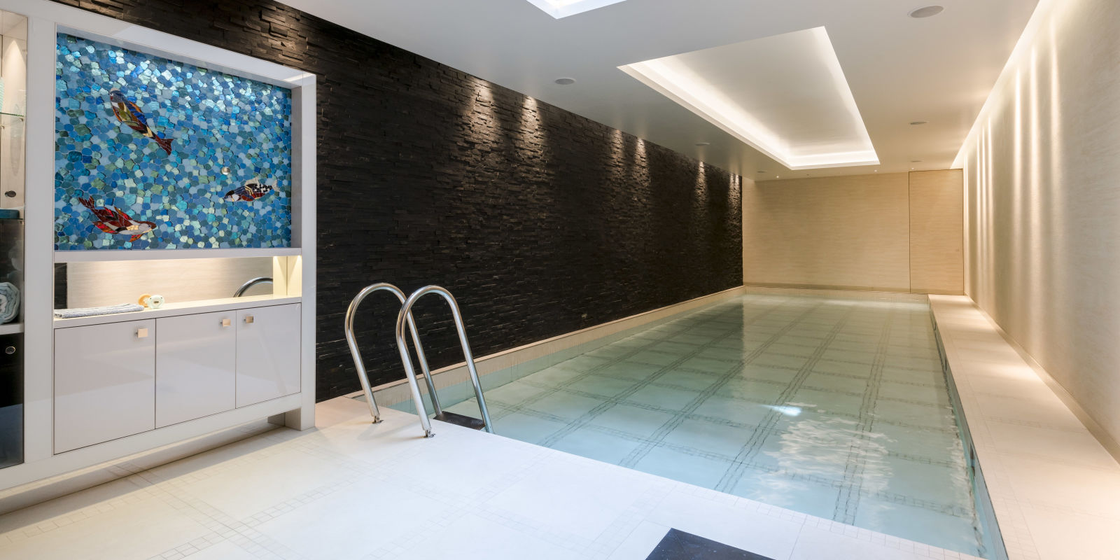 Kensington Property 39 S Swimming Pool Transforms Into A Dance Floor For Sale