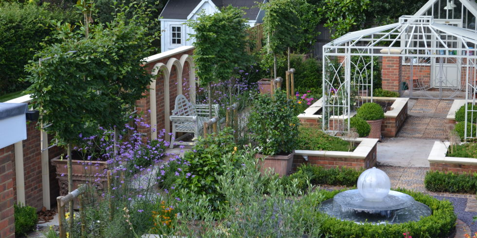 Kate Gould Garden Design   Contemporary Courtyard Garden   Beaconsfield