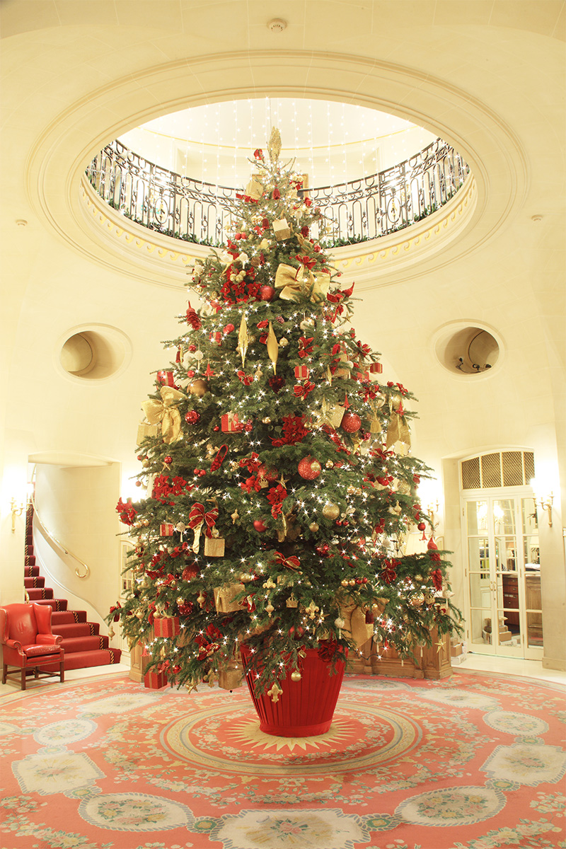Best Hotel Christmas Trees From Around The World