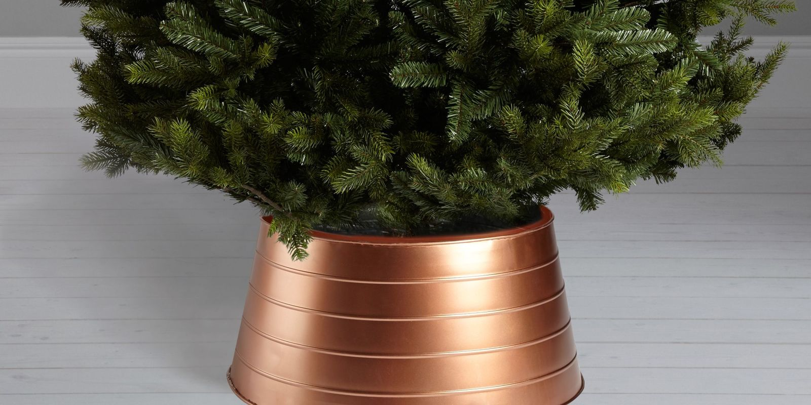Christmas Tree Skirts Are Now More Popular Than Tree ...